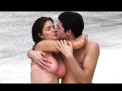 Stephanie Seymour give bikini kissing with not her son Hotmoza